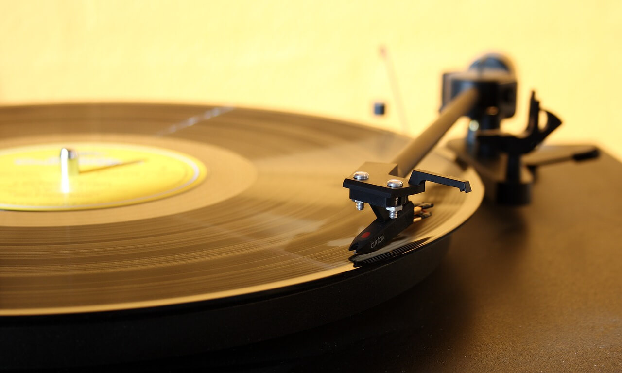 s-record-player-1224409_1280